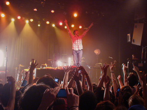 Andrew McMahon captures a crowd like few other pop frontmen.